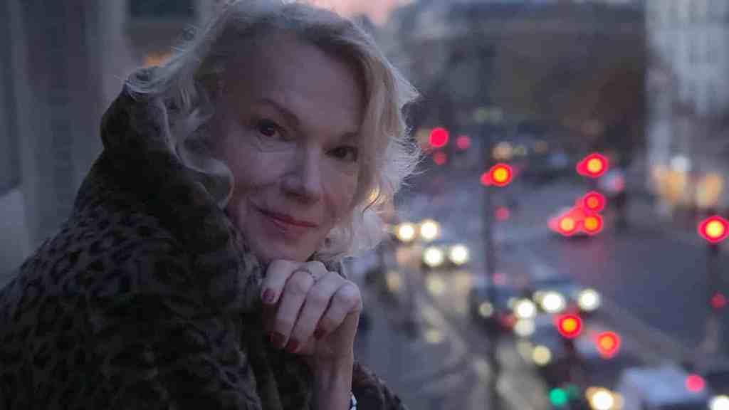 Brigitte Lahaie dans Une première fois de Olympe de G