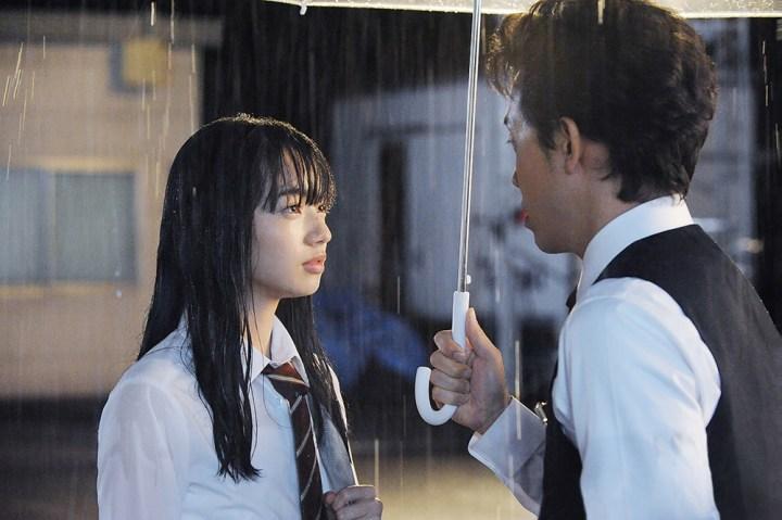 【画像】映画『恋は雨上がりのように』メインカット[橘あきら(小松菜奈)&近藤正己(大泉洋)]