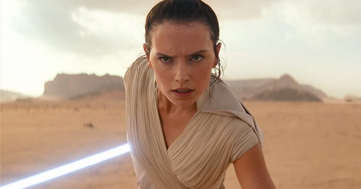 Rey se preparando pra lutar. Star Wars.