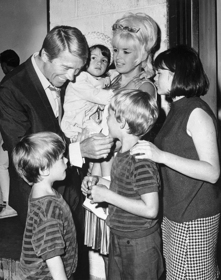 Jayne Mansfield and Mickey Hargitay With Their Children - Cinema ...