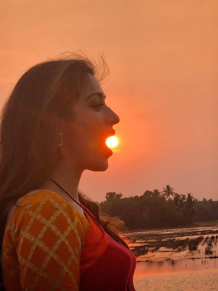Mammooty's Superb Click of Lakshmi Rai From Oru Kuttanadan Blog Location