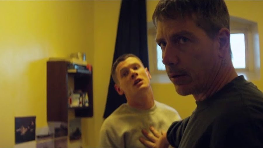 Starred Up /  Les poings contre les murs (2013)