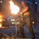Ametralladoras, Autos Voladores, y Vin Diesel vs Jason Statham en Nuevo Trailer de 'Furious 7' Presentado en el Super Bowl