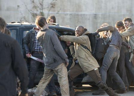 "TV Review: The Walking Dead Season Five Finale ""Conquer"""