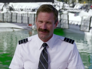 sully-aaron-eckhart