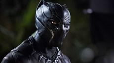 Chadwick Boseman como T'Challa/Black Panther