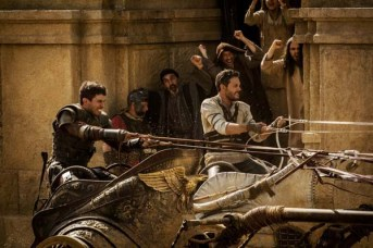 Toby Kebbell et Jack Huston dans Ben-Hur (2016)