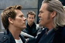 Kevin Bacon, Jeff Bridges, et Ryan Reynolds dans R.I.P.D. Brigade fantôme (2013)