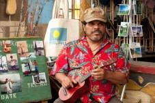 Luis Guzmán dans Voyage au centre de la Terre 2: L'île mystérieuse (2012)