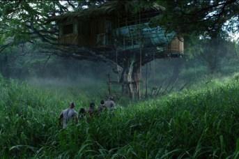 Vanessa Hudgens et Josh Hutcherson dans Voyage au centre de la Terre 2: L'île mystérieuse (2012)