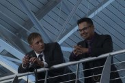 Alexander Skarsgård et Michael Peña dans War on Everyone (2016)