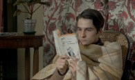 Antoine is reading William Irish's La Sirène du Mississipi (originally Waltz into Darkness). It would become the basis of Truffaut's next film, known as Mississippi Mermaid in English.
