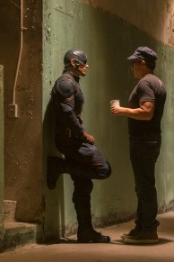 Captain America: Civil War L to R: Director Anthony Russo and Chris Evans (Captain America) on set. Ph: Zade Rosenthal ©Marvel 2016