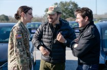 Left to right: Cobie Smulders, Director Edward Zwick and Tom Cruise on the set of Jack Reacher: Never Go Back from Paramount Pictures and Skydance Productions