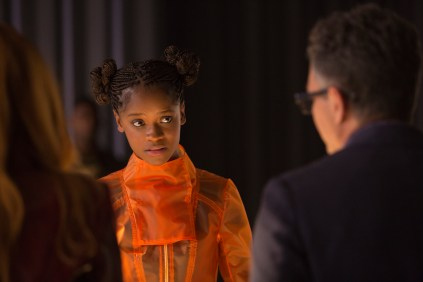 Marvel Studios' AVENGERS: INFINITY WAR..Shuri (Letitia Wright) and Bruce Banner (Mark Ruffalo) ..Photo: Chuck Zlotnick..©Marvel Studios 2018