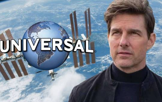 Fotografía de Tom Cruise con logo de Universal Pictures