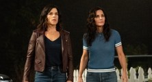 """Neve Campbell (""""Sidney Prescott""""), left, and Courteney Cox (""""Gale Weathers"""") star in Paramount Pictures and Spyglass Media Group's """"Scream."""""""