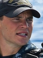 taylor-kitsch-in-universal-pictures-battleship-1
