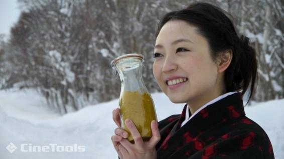 笑顔が可愛らしい女中役「松井さやか」さん
