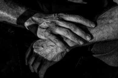 logan-hands