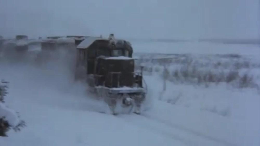 RUNAWAY! Alaska Railroad in Runaway Train (1987) (1/5)
