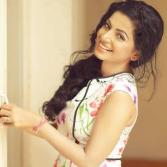 Aiswarya Menon cute smile