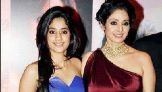 Jhanvi Kapoor With her Mom