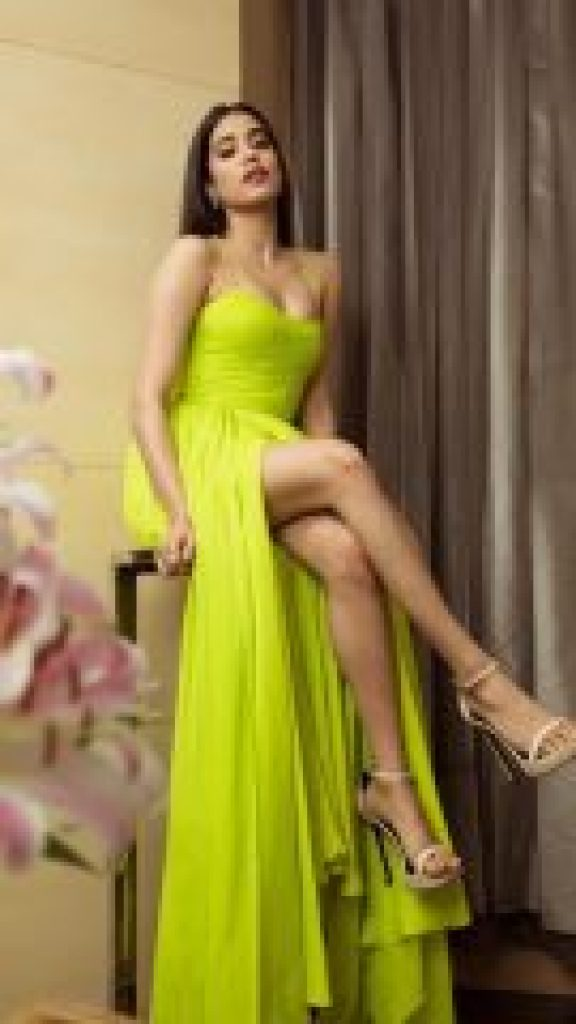 Jhanvi Kapoor's Lovely Look