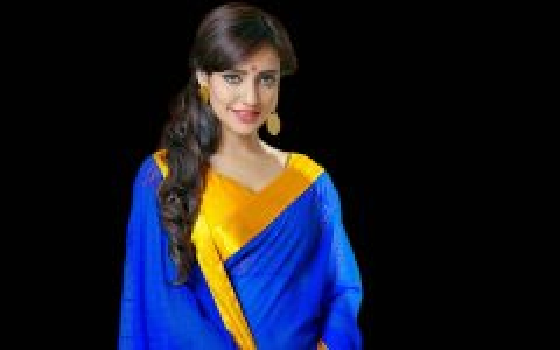 Attractive Neha Sharma