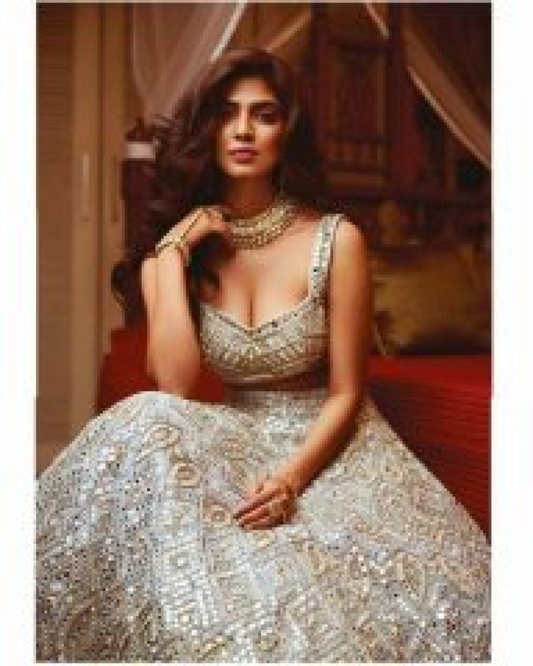 Cute & lovely Malavika Mohanan
