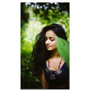 Simple Shanvi Srivastava