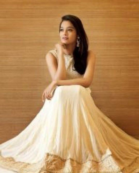 New look of Gayathri Shankar