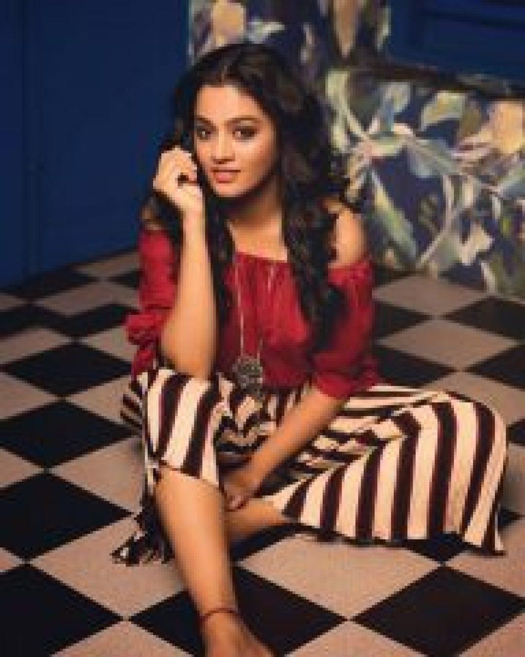 Cute Gayathri Shankar