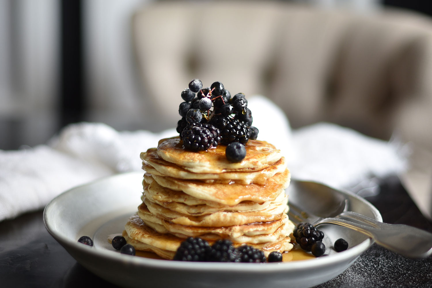 Blackberries Amp Blueberries Pancakes With Maple Syrup