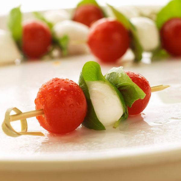Receita: espetinho de salada caprese