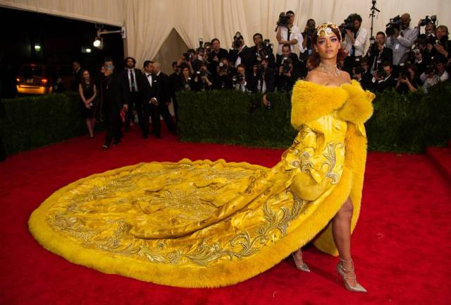Rihanna's yellow dress at the Met gala 2015.
