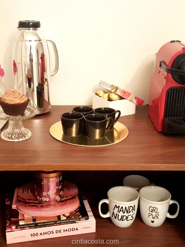 Decoração da casa: bar para bebidas e cantinho do café