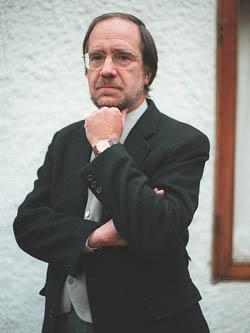 Sociólogo, Manuel Antonio Garretón