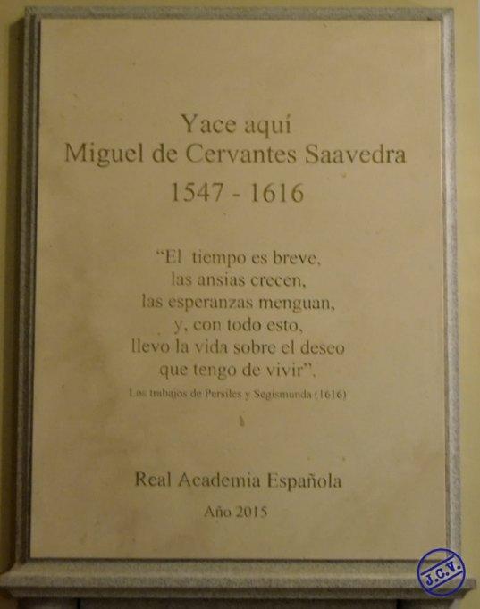 """Placa conmemorativa del """"hallazgo"""" de los restos de Cenvantes en 2015. Foto: Jesús C. V."""