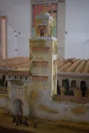 Maqueta del aspecto original de la Mezquita de Córdoba tras la ampliación de Almanzor. Detalle del alminar. Palacio Arzobispal de Córdoba