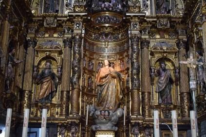 Detalle del cuerpo bajo del retablo. Foto: Cipripedia.