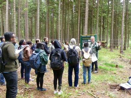 Our group is being welcomed by Dr. Henning Andreae of the Saxon State Forest Enterprise. You will guess from the picture that mornings in the Ore Mountains are more chilly than in Dresden ;-)