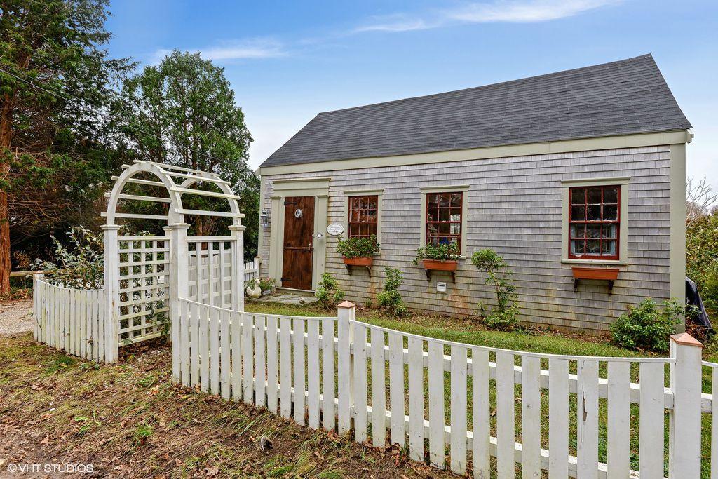 1776 Cottage In Sandwich Massachusetts