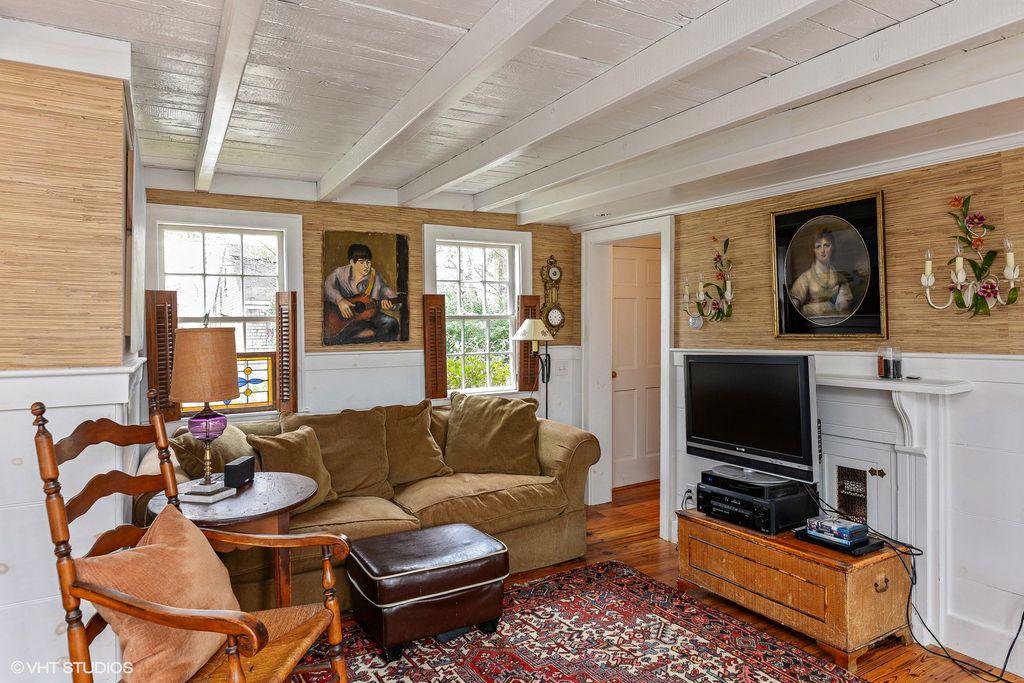 Massachusetts 1776 Cottage
