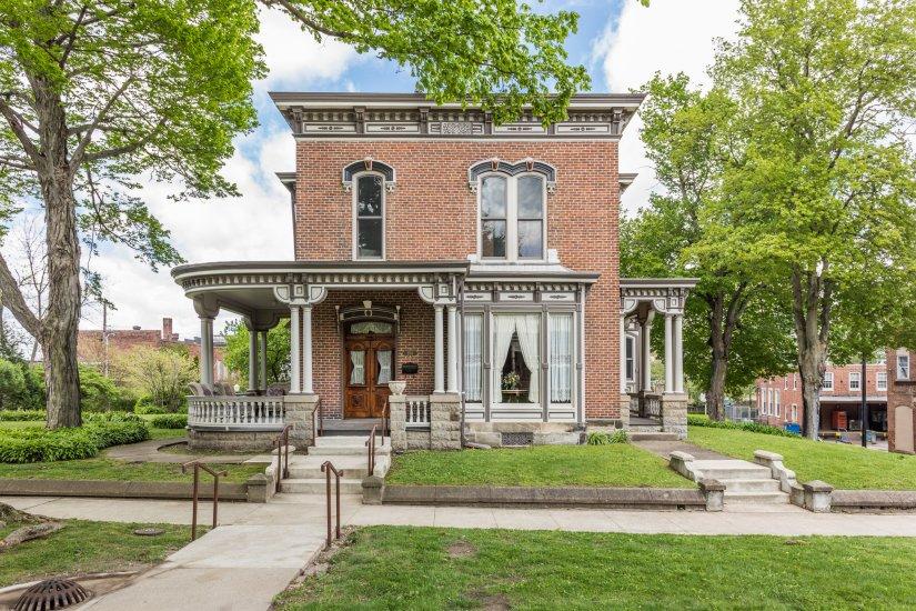 Indiana 1887 italianate captivating houses for Italianate homes for sale