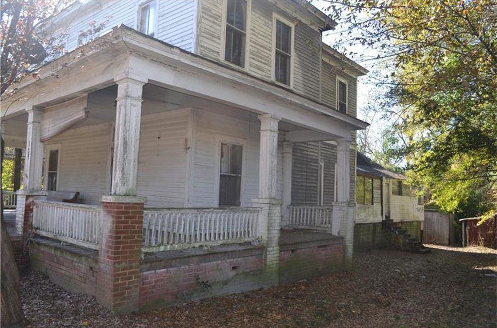 1920's Fixer Upper In Griffin Georgia