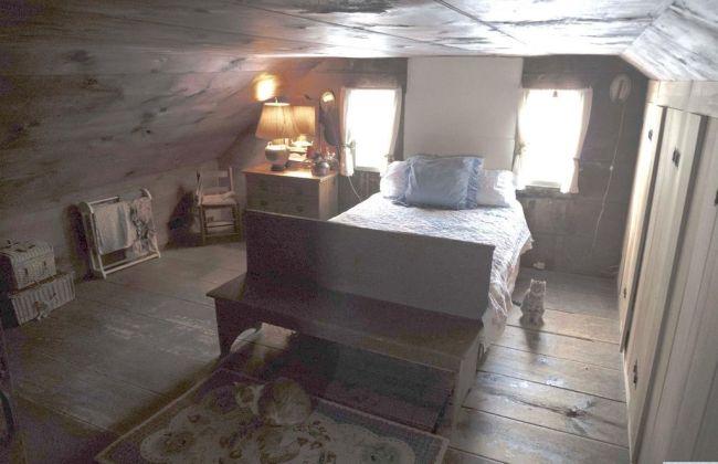 New York 1770 Stone And Cedar Saltbox