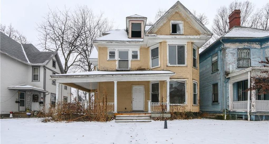 1901 Victorian Fixer-Upper In Springfield Ohio