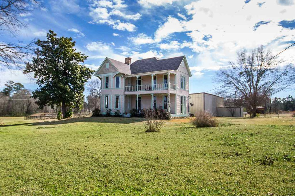 1875 Folk Victorian In Longview Texas