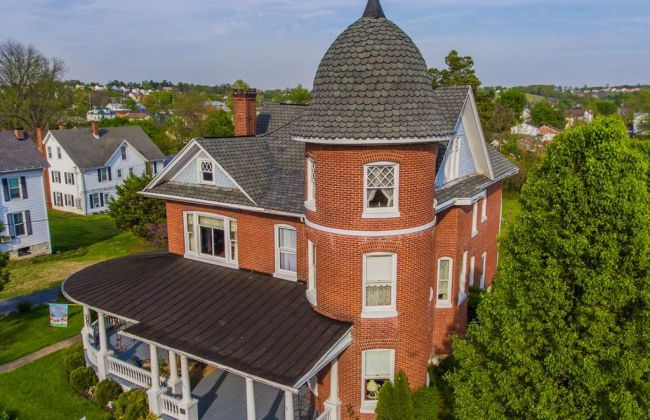 1910 The Grove House For Sale In Strasburg Virginia